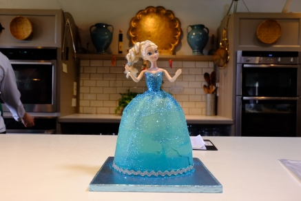 Pam made this amazing Elsa cake for Darina's granddaughter's birthday. Again, my inner six year old lit up when I saw it.